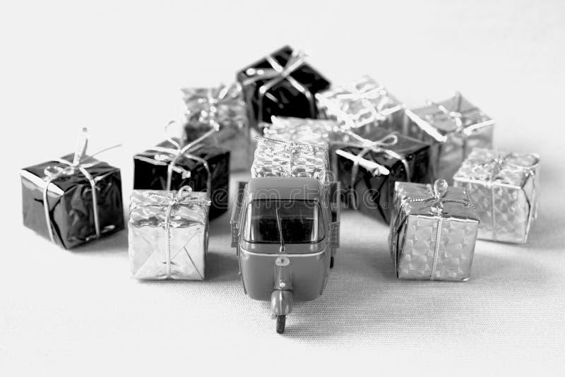 Παράδοση χριστουγεννιάτικων δώρων στοκ φωτογραφία