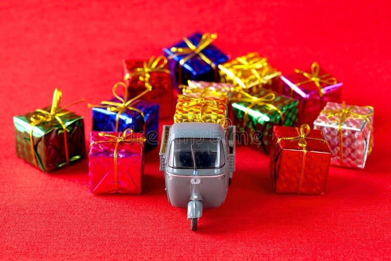 Παράδοση χριστουγεννιάτικων δώρων στοκ φωτογραφία με δικαίωμα ελεύθερης χρήσης
