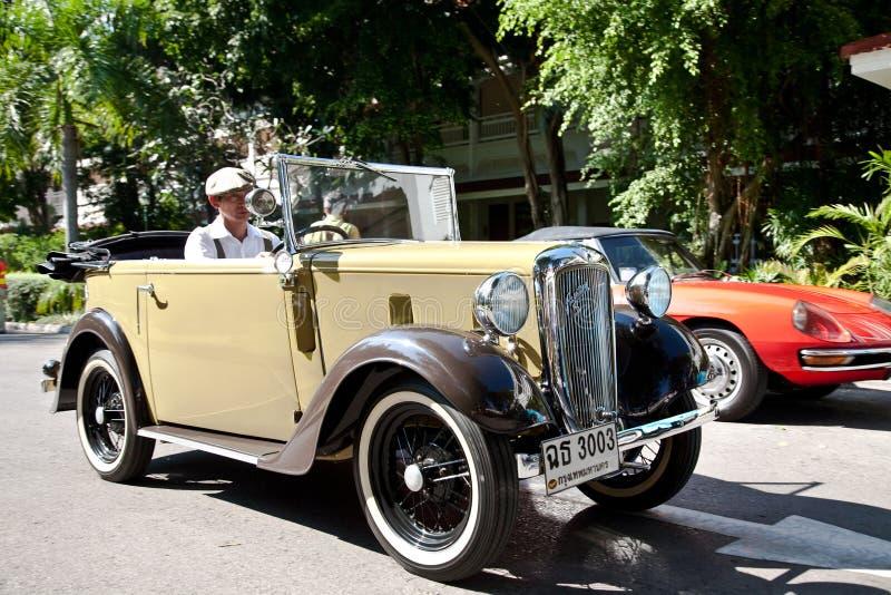 παρέλαση επτά αυτοκινήτων  στοκ εικόνα με δικαίωμα ελεύθερης χρήσης