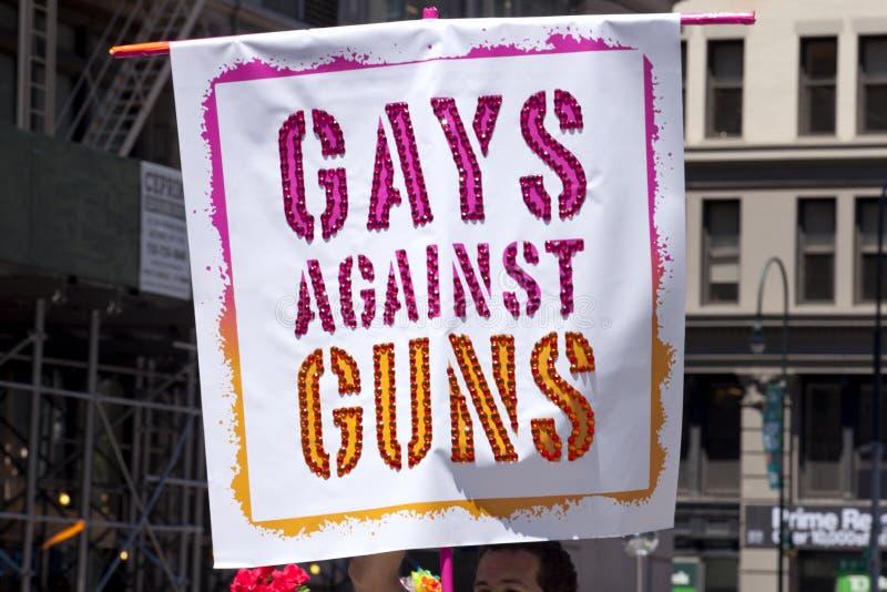 Παρέλαση υπερηφάνειας πόλεων της Νέας Υόρκης - ομοφυλόφιλοι ενάντια στα πυροβόλα όπλα στοκ φωτογραφίες με δικαίωμα ελεύθερης χρήσης