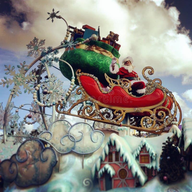 Παρέλαση διακοπών Chistmas του παγκόσμιου εμπαιγμού της Disney Walt πολύ εύθυμη στοκ εικόνες