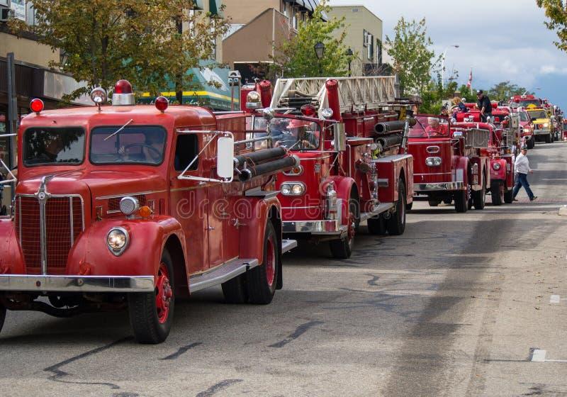 Παρέλαση πυροσβεστικών οχημάτων στοκ εικόνα