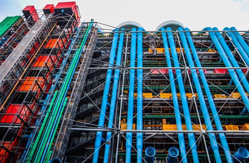 Παρίσι/Γαλλία - 6 Απριλίου 2019: Ζωηρόχρωμη πρόσοψη του κέντρου Georges Pompidou στοκ φωτογραφία