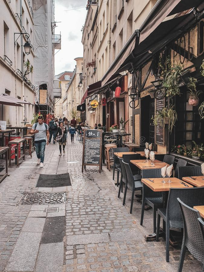 Παρίσι, Γαλλία, τον Ιούνιο του 2019: Οδοί του Παρισιού στοκ φωτογραφία