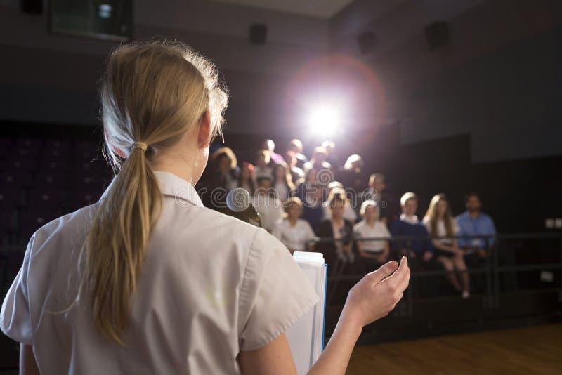 παραγωγή της ομιλίας στοκ εικόνα με δικαίωμα ελεύθερης χρήσης