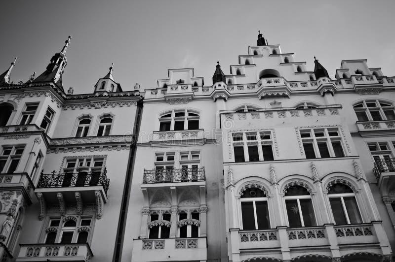Παραδοσιακά βοημικά κτίρια με διακοσμημένες προσόψεις Πράγα, Τσεχική Δημοκρατία στοκ εικόνες με δικαίωμα ελεύθερης χρήσης