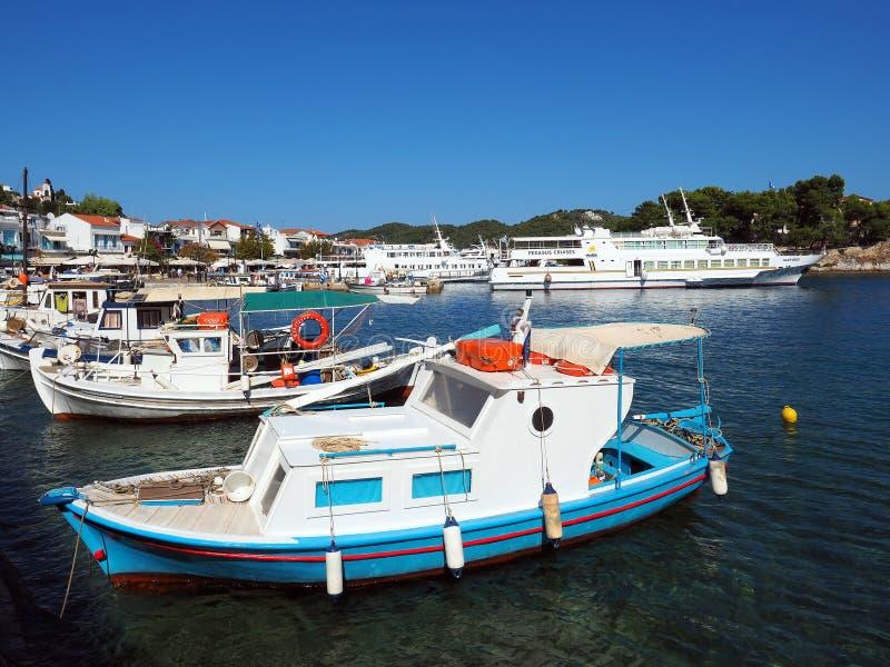 Παραδοσιακά ελληνικά αλιευτικά σκάφη, Skiathos στοκ φωτογραφία με δικαίωμα ελεύθερης χρήσης