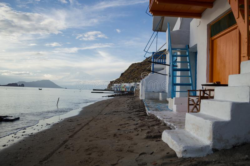 Παραδοσιακά ζωηρόχρωμα ελληνικά σπίτια ψαροχώρι σε Klima, Milo στοκ φωτογραφίες με δικαίωμα ελεύθερης χρήσης