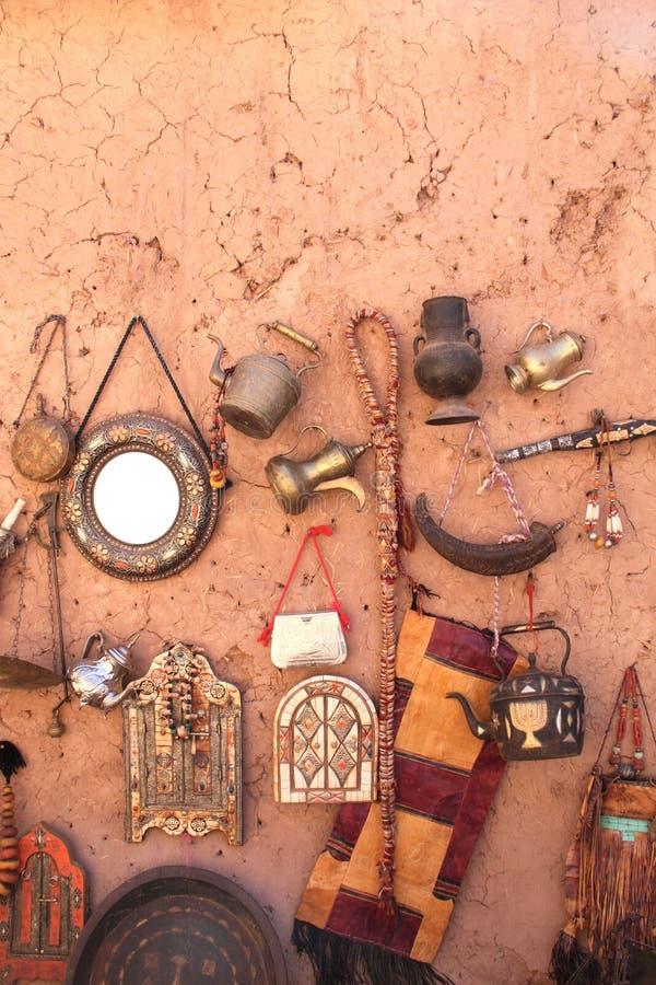 Παραδοσιακά μαροκινά αναμνηστικά, παζάρι ait-Ben-Haddou Kasbah, Moro στοκ φωτογραφίες