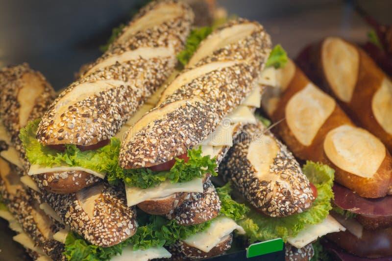 παραδοσιακά σάντουιτς σε ένα γρήγορο φαγητό στοκ εικόνες με δικαίωμα ελεύθερης χρήσης