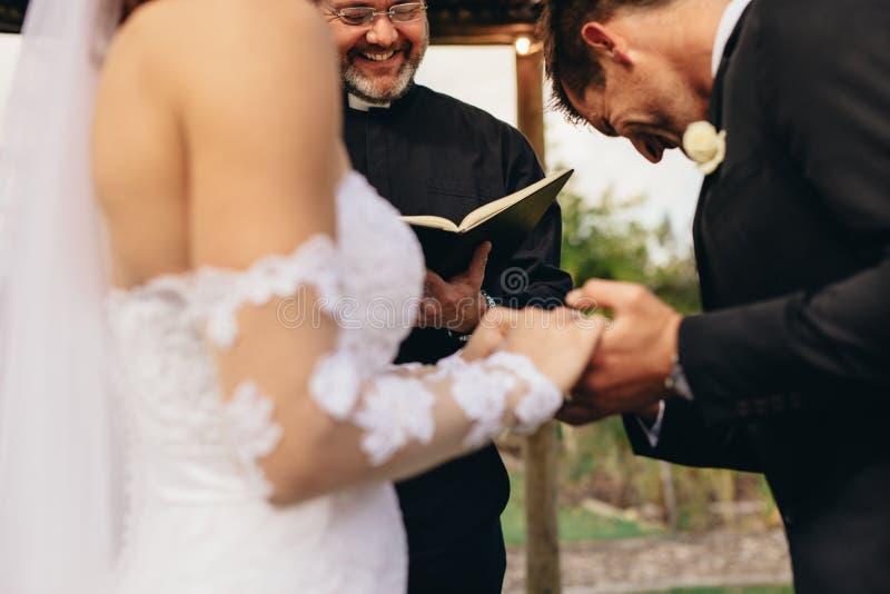 Παραδοσιακά τελετουργικά γαμήλιας τελετής στοκ φωτογραφίες