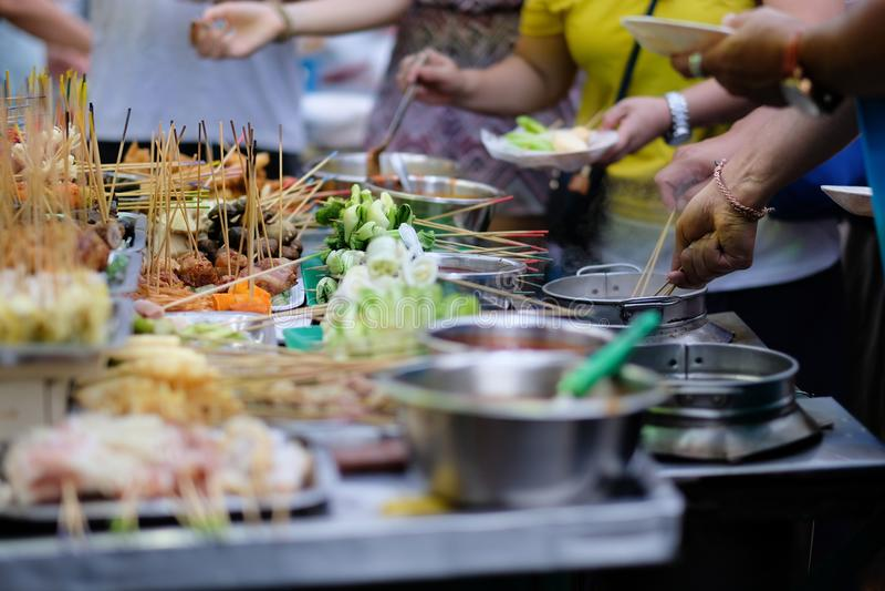 Παραδοσιακά τρόφιμα οδών lok-lok από την Ασία στοκ φωτογραφίες με δικαίωμα ελεύθερης χρήσης