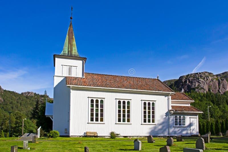 Παραδοσιακή άσπρη ξύλινη εκκλησία σε Rogaland, Νορβηγία στοκ φωτογραφία με δικαίωμα ελεύθερης χρήσης