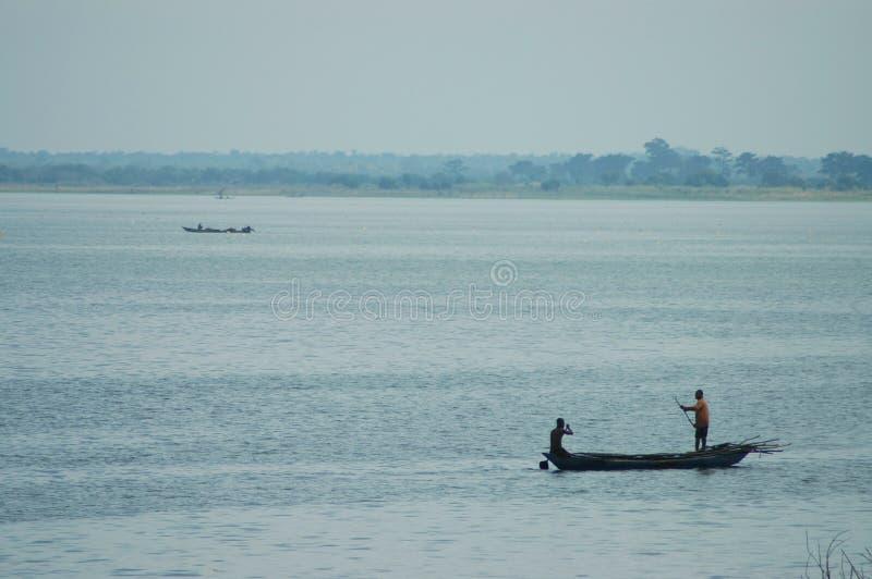 Παραδοσιακή βάρκα έξω στη λίμνη Volta, Γκάνα στοκ εικόνα με δικαίωμα ελεύθερης χρήσης