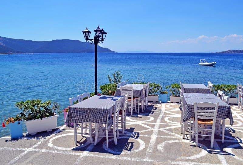 Παραδοσιακή ελληνική ταβέρνα σε Nea Styra Euboea Ελλάδα στοκ φωτογραφία με δικαίωμα ελεύθερης χρήσης