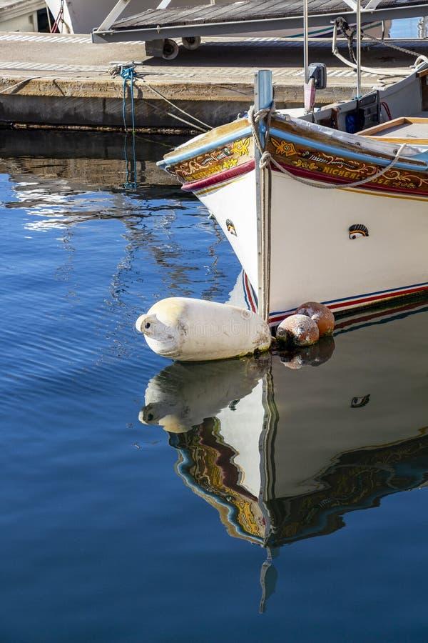 Παραδοσιακή της Μάλτα βάρκα Luzzu στοκ φωτογραφίες