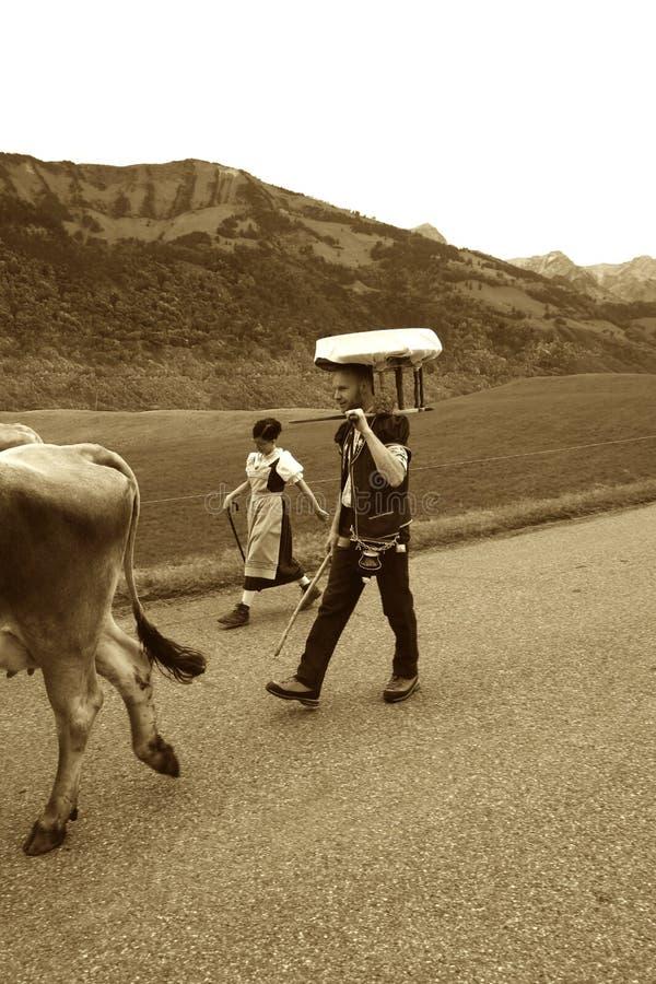 Παραδοσιακός ελβετικός κατασκευαστής τυριών Alpage στοκ φωτογραφία