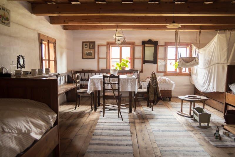 Παραδοσιακό ιστορικό λαϊκό δωμάτιο στη Σλοβακία στοκ εικόνα με δικαίωμα ελεύθερης χρήσης