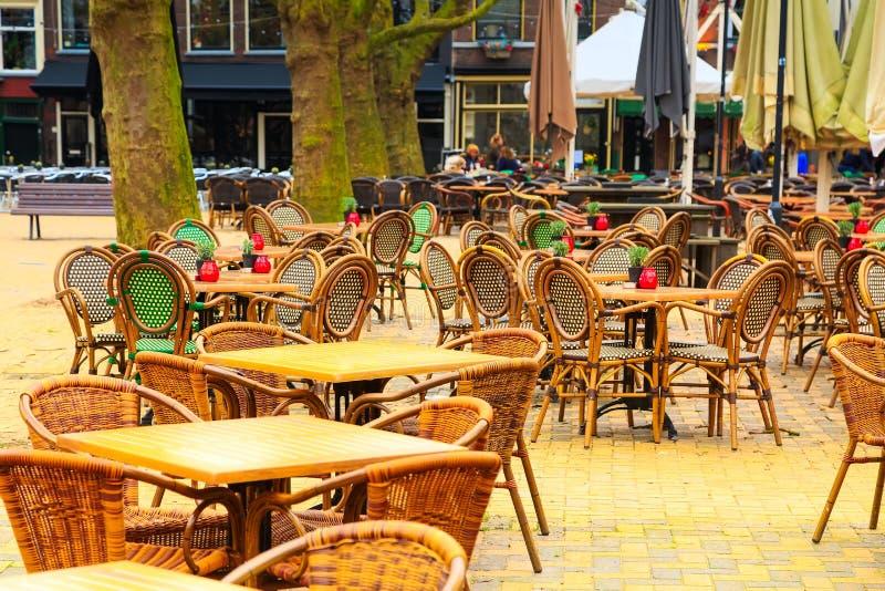 Παραδοσιακό ολλανδικό εστιατόριο στο κέντρο Ντελφτ, Ολλανδία στοκ εικόνες