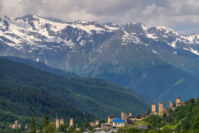 Παραδοσιακό παρατηρητήριο Svaneti σε Mestia στη σειρά θερινή περίοδο, βουνών Καύκασου στη Γεωργία στοκ εικόνες με δικαίωμα ελεύθερης χρήσης