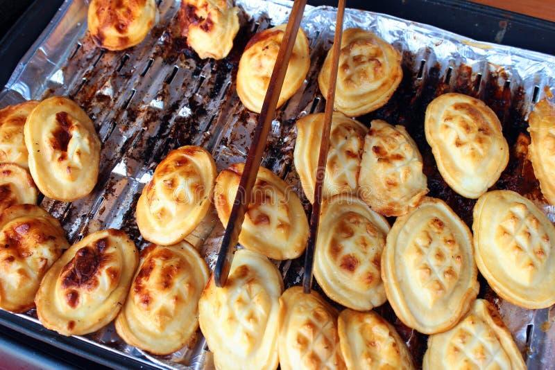 Παραδοσιακό τηγανισμένο τυρί προβάτων στο Lublin, Πολωνία στοκ φωτογραφίες με δικαίωμα ελεύθερης χρήσης