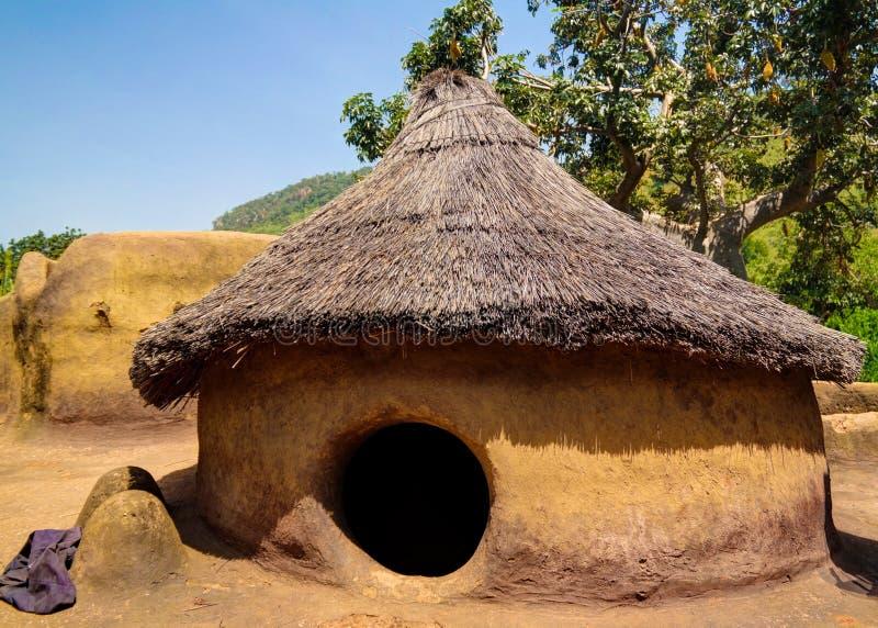 Παραδοσιακό χωριό ανθρώπων Tammari Tamberma σε Koutammakou, το έδαφος του Batammariba, περιοχή της Kara, του Τόγκο στοκ εικόνες