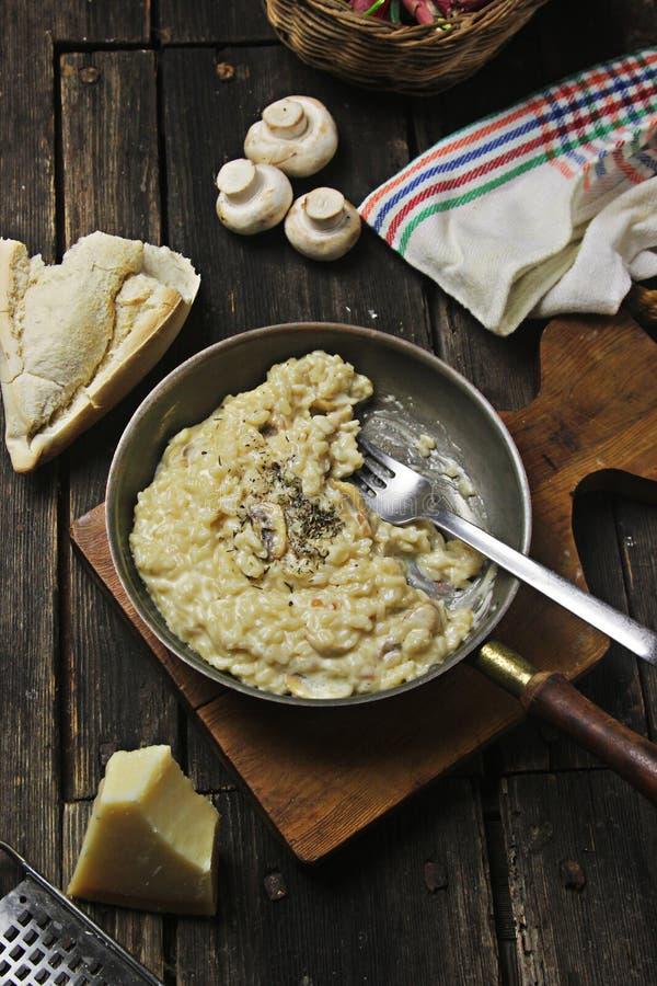 Παραδοσιακό risotto μυκήτων στοκ φωτογραφίες με δικαίωμα ελεύθερης χρήσης