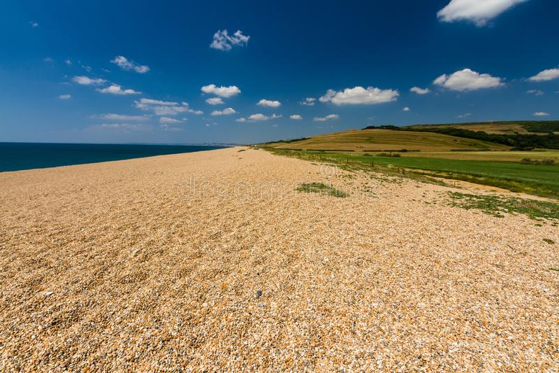 Παραλία αμμοχάλικου, τέλος της τράπεζας Chesil στοκ εικόνες