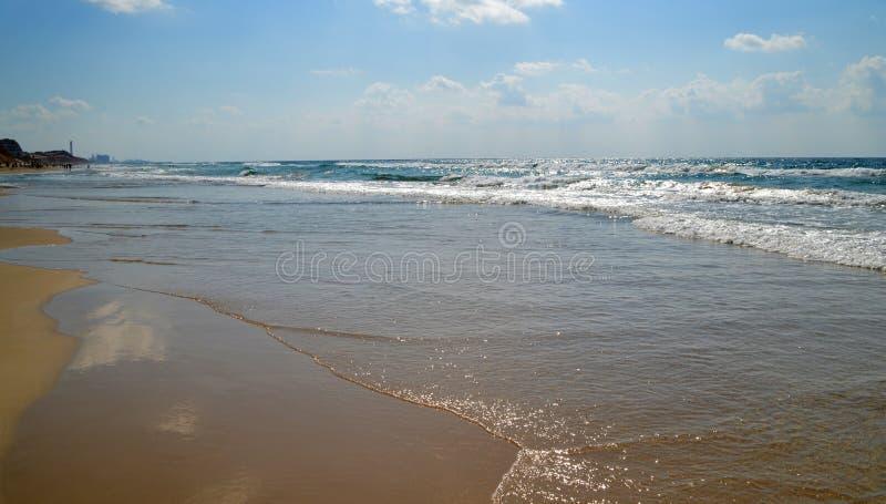 Παραλία θάλασσας το καλοκαίρι στοκ εικόνα με δικαίωμα ελεύθερης χρήσης