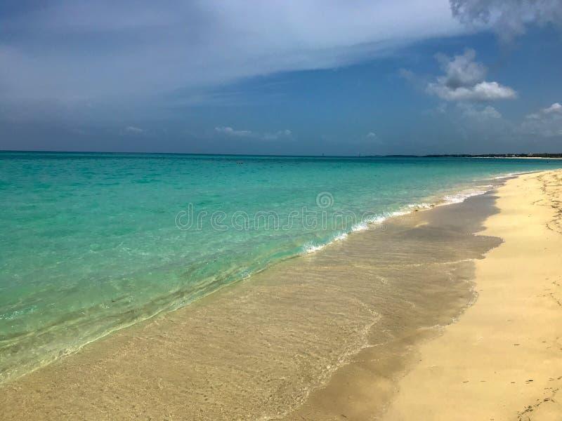 Παραλία κάπου στην Κούβα στοκ εικόνα με δικαίωμα ελεύθερης χρήσης