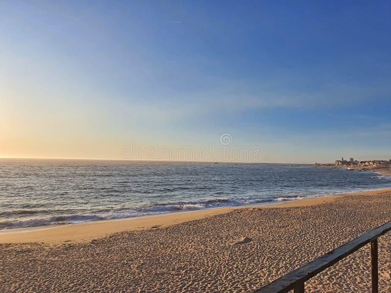 Παραλία νωρίς το πρωί στοκ φωτογραφίες με δικαίωμα ελεύθερης χρήσης