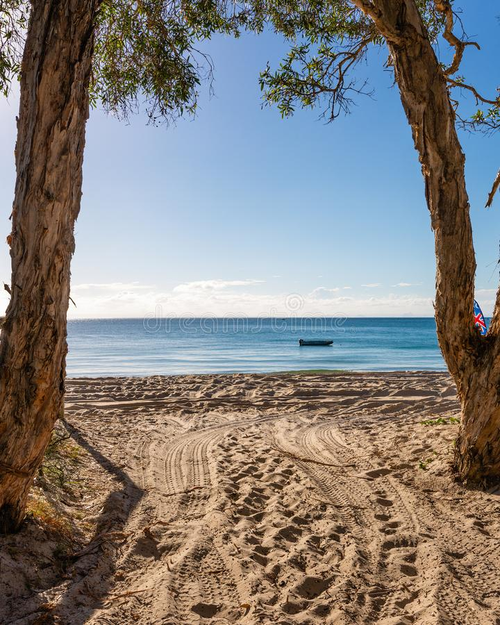Παραλία που στρατοπεδεύει στο νησί Moreton στο Queensland Αυστραλία στοκ φωτογραφίες με δικαίωμα ελεύθερης χρήσης