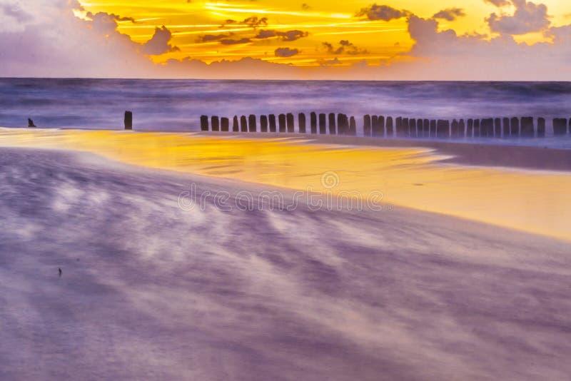 Παραλία σε Mielno - την Πολωνία. στοκ φωτογραφία