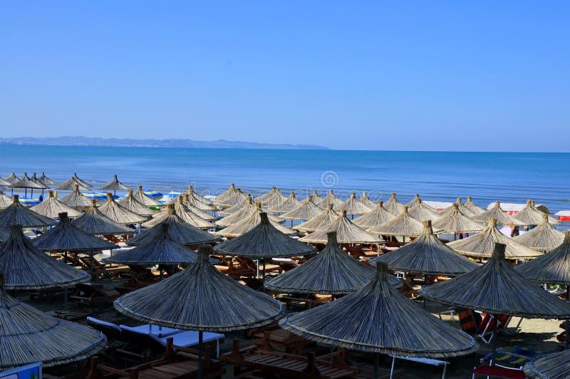 _ Παραλία στην περιοχή Durres θερέτρου στοκ φωτογραφία με δικαίωμα ελεύθερης χρήσης