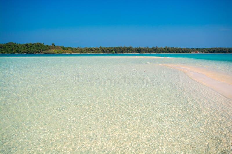 Παραλία τη θερινή ώρα σε νησί στο Trat Provice της Ταϊλάνδης στοκ φωτογραφίες