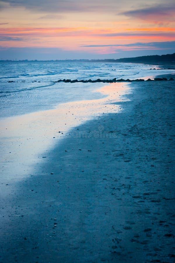 Παραλία Brussa στο ηλιοβασίλεμα στοκ φωτογραφία