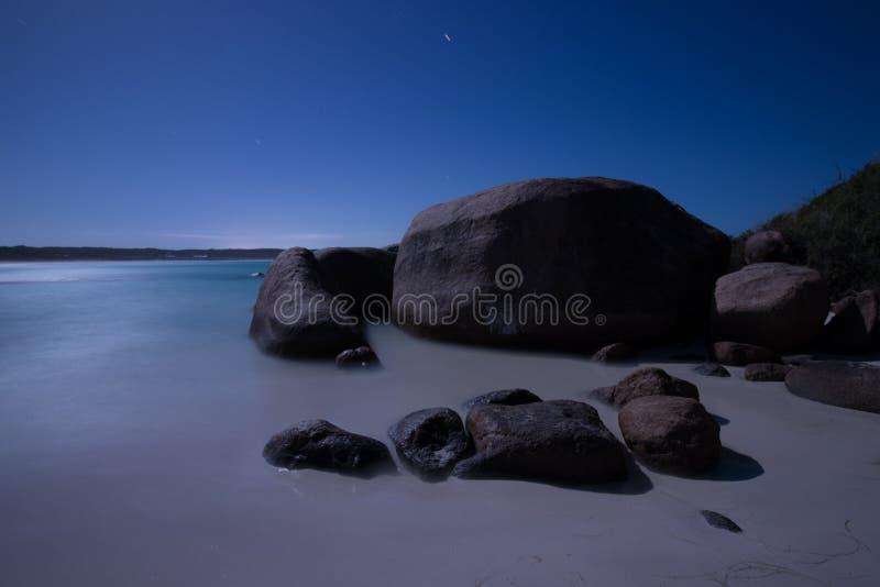 Παραλία Esperance από τη πανσέληνο, μακροχρόνια έκθεση στοκ εικόνα με δικαίωμα ελεύθερης χρήσης