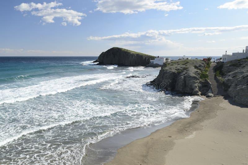 Παραλία Isleta del Moro στο χωριό σε Cabo de Gata στοκ φωτογραφίες με δικαίωμα ελεύθερης χρήσης