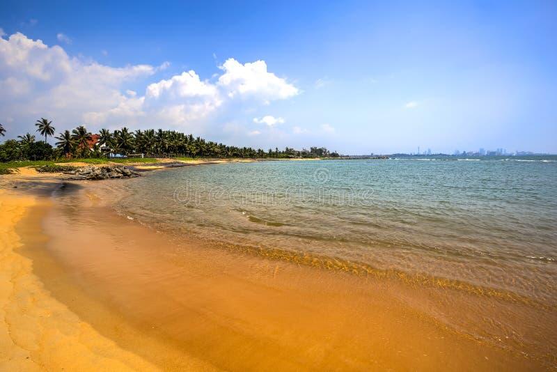 Παραλία Palliyawatta, Σρι Λάνκα στοκ εικόνες