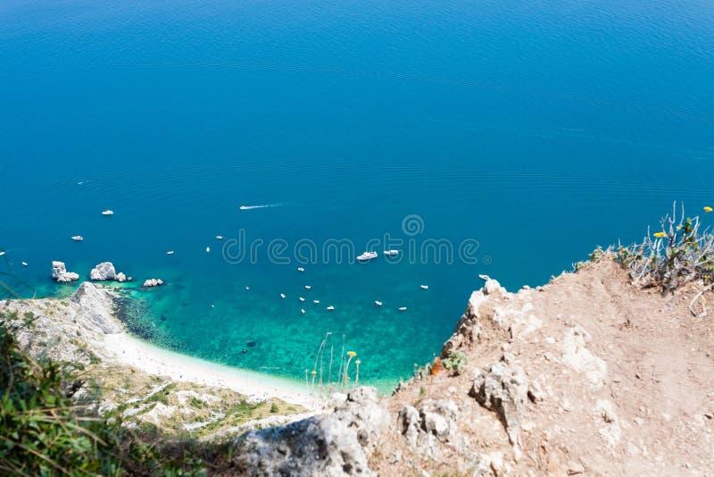 Παραλία Sirolo από Monte Conero, Ιταλία στοκ φωτογραφία