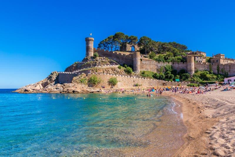 Παραλία Tossa de Mar και φρούριο στοκ φωτογραφίες