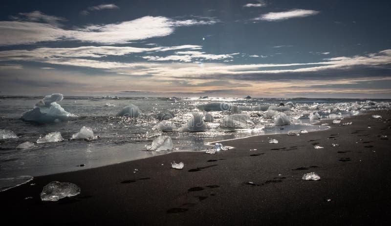 Παραλία Vik διαμαντιών στοκ εικόνα με δικαίωμα ελεύθερης χρήσης