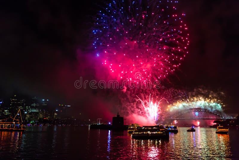Παραμονή Πρωτοχρονιάς 2015 του Σίδνεϊ πυροτεχνήματα στοκ φωτογραφία με δικαίωμα ελεύθερης χρήσης