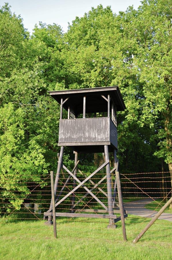 Παρατηρητήριο και Barbwire στο στρατόπεδο διέλευσης Westerbork στοκ φωτογραφίες με δικαίωμα ελεύθερης χρήσης
