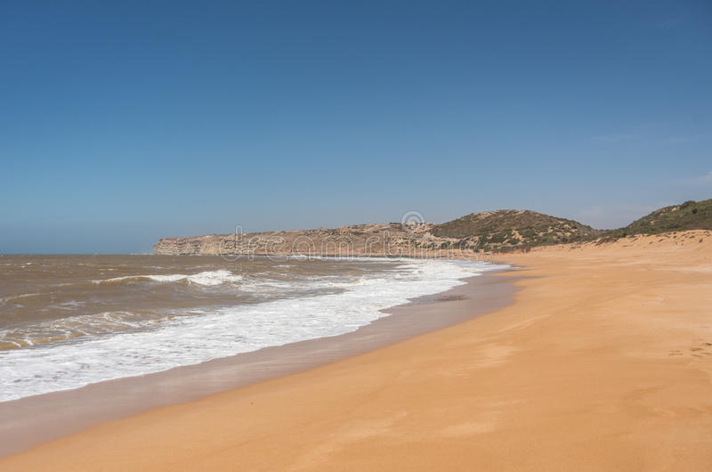 Παραλία άμμου του Ατλαντικού Ωκεανού στο κεντρικό Μαρόκο, στοκ εικόνες με δικαίωμα ελεύθερης χρήσης