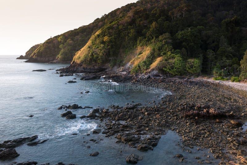 Παραλία απότομων βράχων στοκ εικόνες