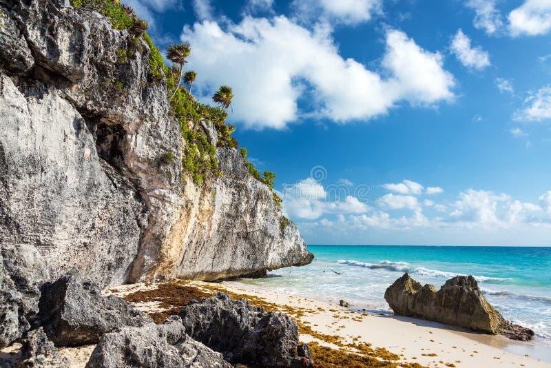 Παραλία από Tulum Ruins στο Μεξικό στοκ φωτογραφίες