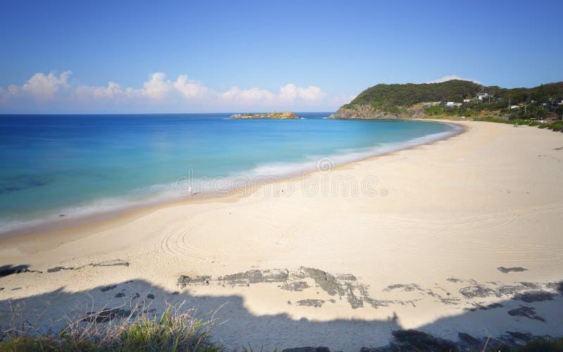 Παραλία βαρκών και φυσικές απόψεις στο βράχο Statis στοκ φωτογραφία με δικαίωμα ελεύθερης χρήσης