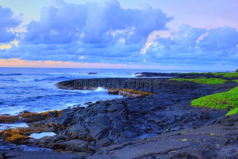 Παραλία βράχου λάβας στοκ φωτογραφίες