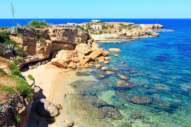 Παραλία θερινής θάλασσας της Σικελίας, Ιταλία στοκ εικόνα με δικαίωμα ελεύθερης χρήσης